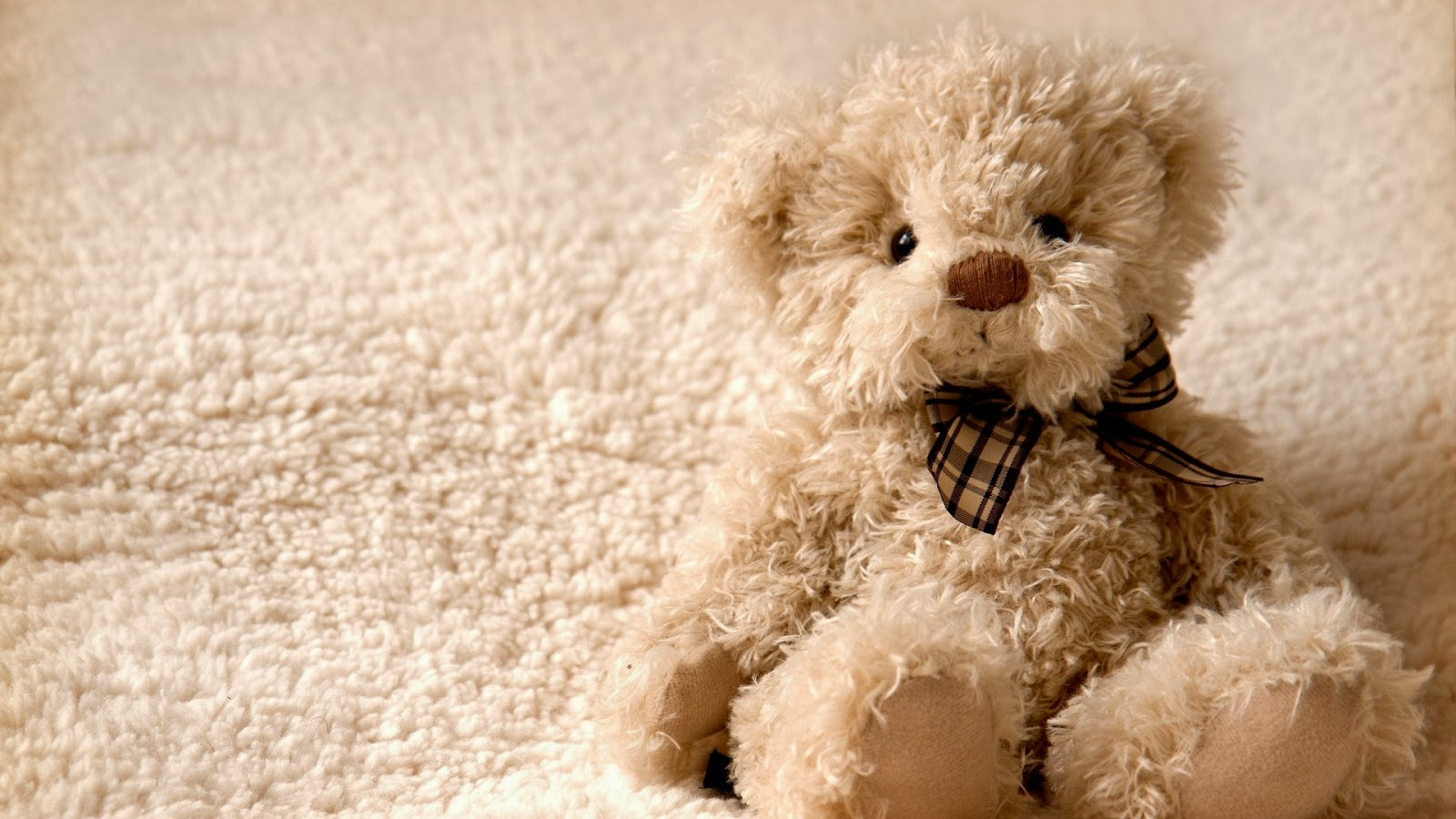 Free-Teddy-Bear-HD-Wallpaper